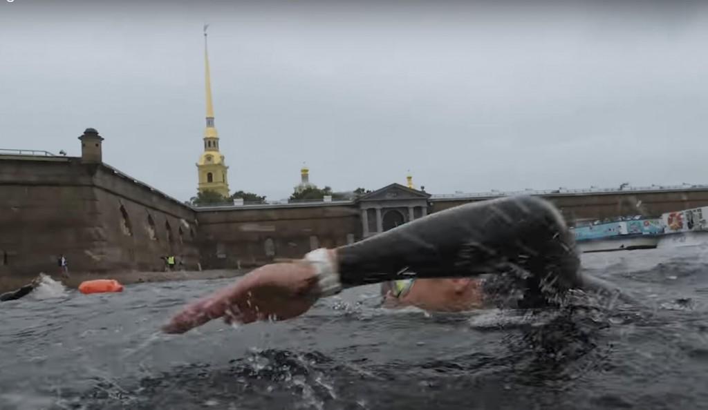 заплыв вокруг Петропавловской крепости 3